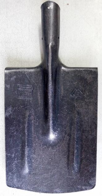 Лопата из рельсовой стали (штык тупой)